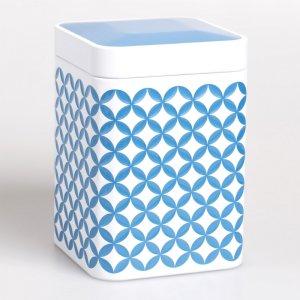 Die Teedose May Lin in der Farbe blau mit Premiumdeckel ist perfekt für Momente der Balance.