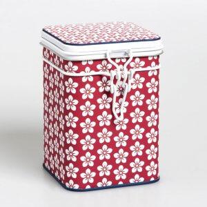 Die hübsche Teedose Scandic in der Farbe rot mit Scharnierdeckel verzaubert mit skandinavischen Charme.